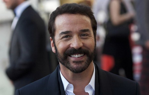 Jeremy Piven thick hair after second hair transplant